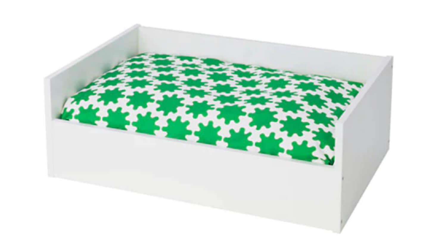 Pet bed with green cushion