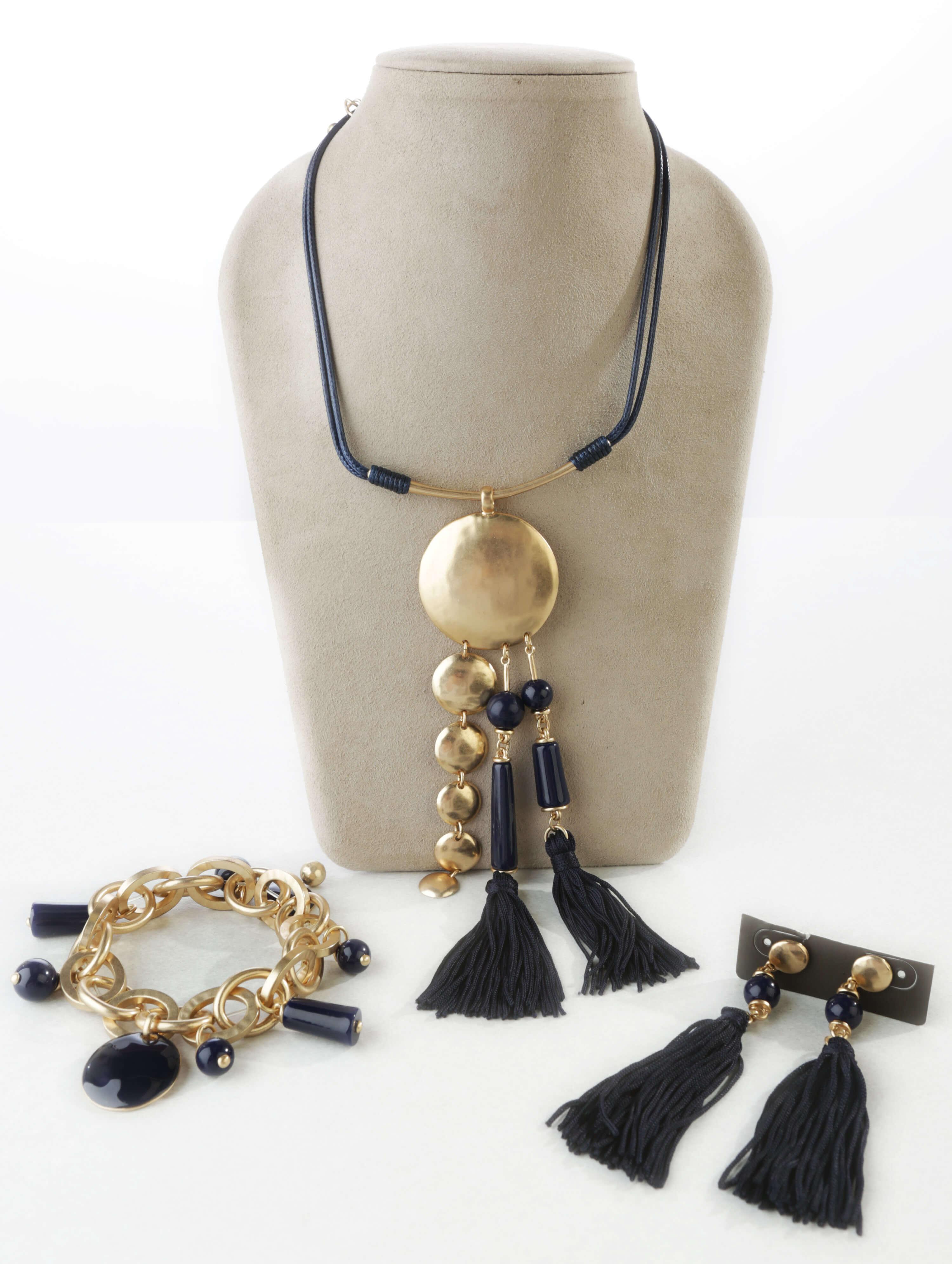 Three-piece jewelry set